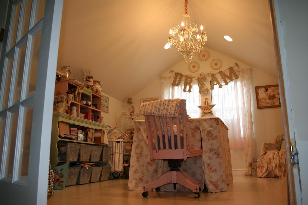 Home Craft Room: Craft Room & Home Studio Ideas