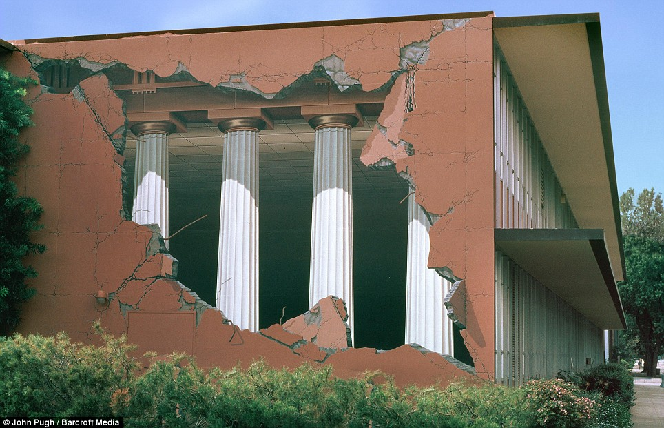 3d Mural Illusion Building Painting
