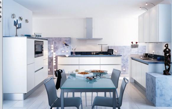 Hochglanz-weiße Küche
