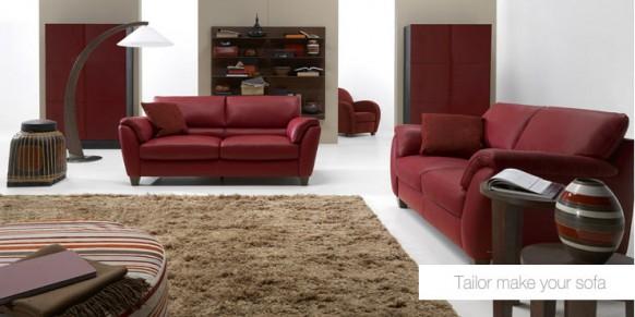 rote Wohnzimmer-sofa