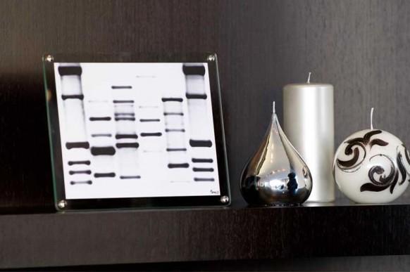 mini-DNA-black-white