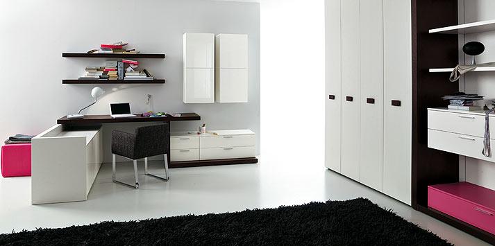 Pink shelf bedroom