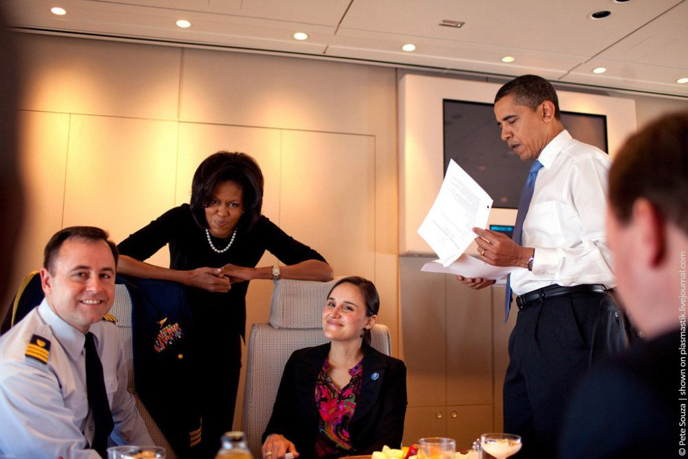 Interiors · board room air force 1 · in the plane · michelle and barack