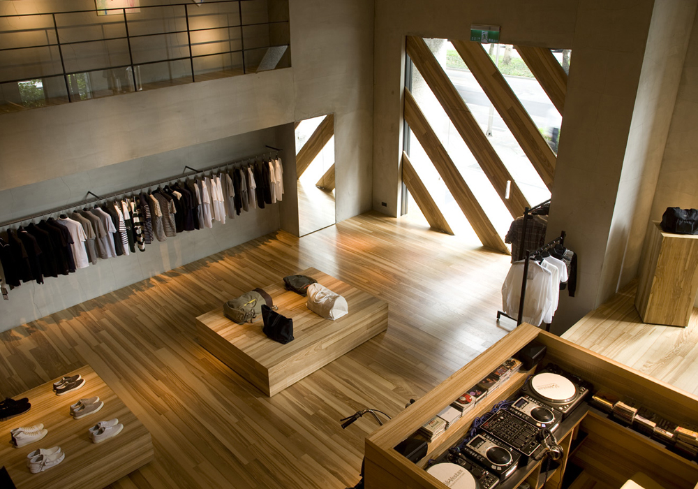 Retail design showroom in wood - Interior design for retail stores ...
