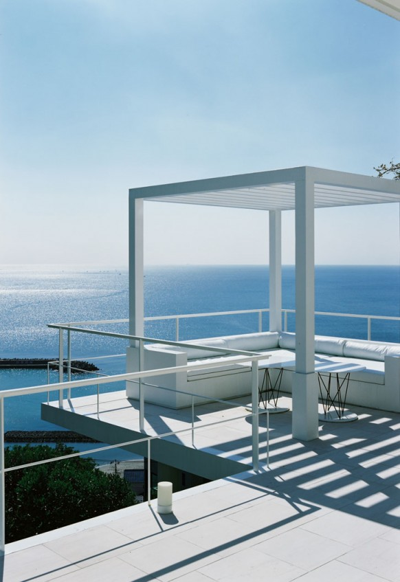 Beautiful house overlooking the ocean - House with a view ...