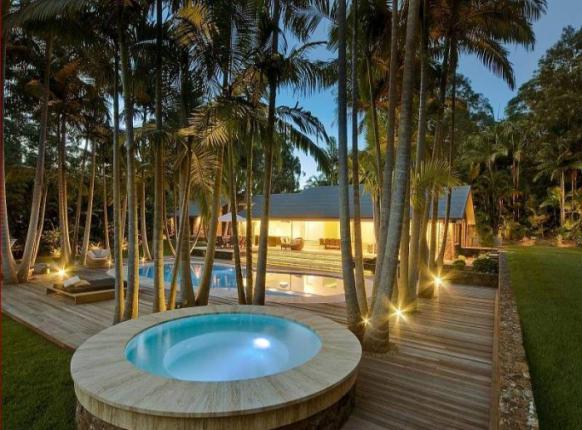 erstaunlich pool-Haus