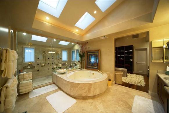 hervorragende Badezimmer Interieur