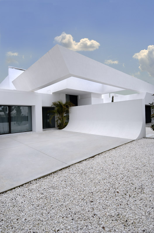 All About House Design Toowoomba: Beautiful All White House With Pool