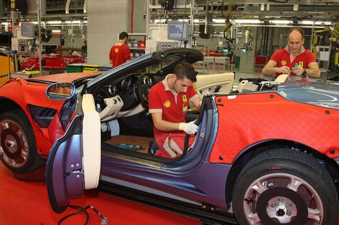 Inside Ferrari S Factory In Maranello Italy