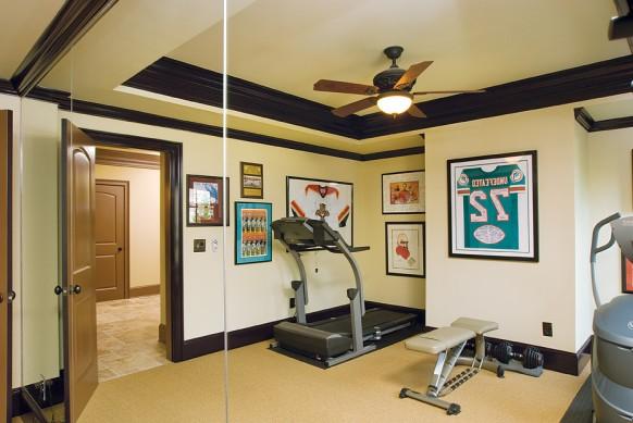 home gym in den Spiegel