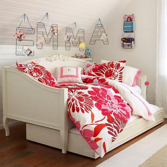 minimalistische Zimmer im Studentenwohnheim