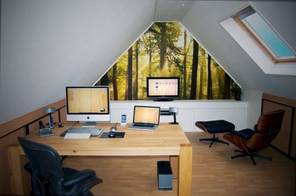 Dachgeschoss-Arbeitsbereich
