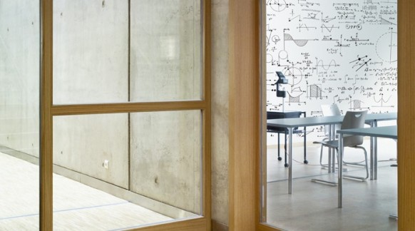 Klassenzimmer-Wand