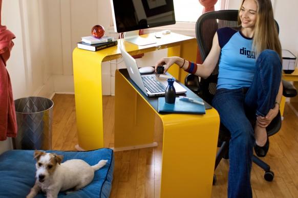 gelb-Schreibtisch