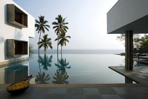 pool mit Blick auf Meer