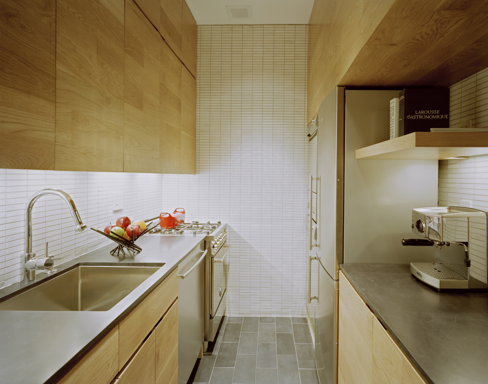 Beautiful Efficient Small Kitchens: Space Saving Tiny Apartment, New York