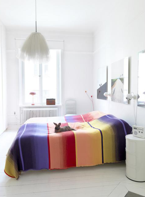 Rooms with a dash of color splash