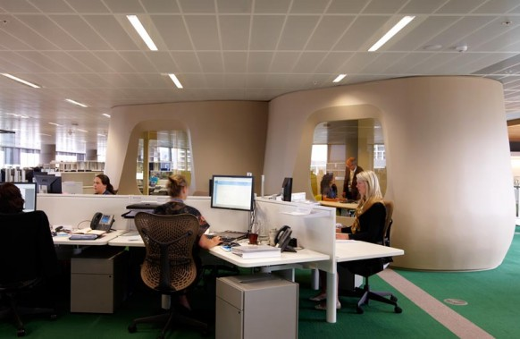 ANZ business-Zentrum moderner Arbeitsbereich grün