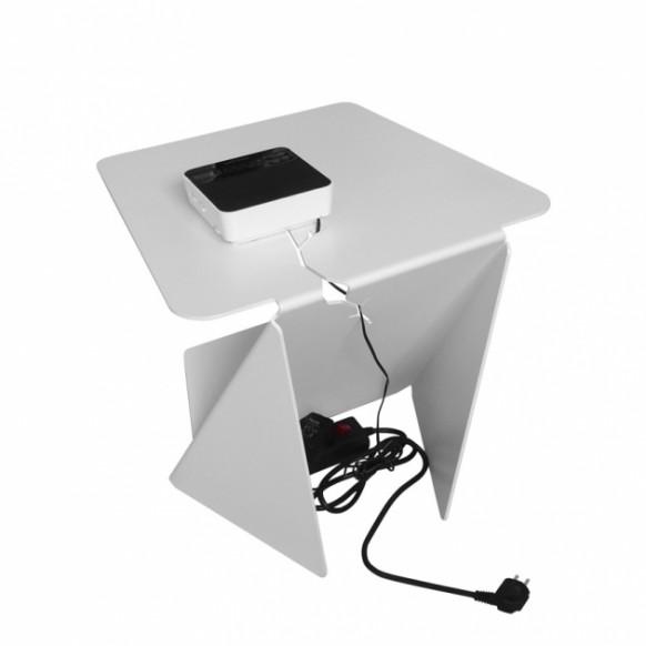 Schreibtisch mit versteckten Verdrahtung