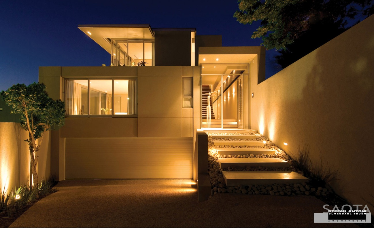 House exterior lighting