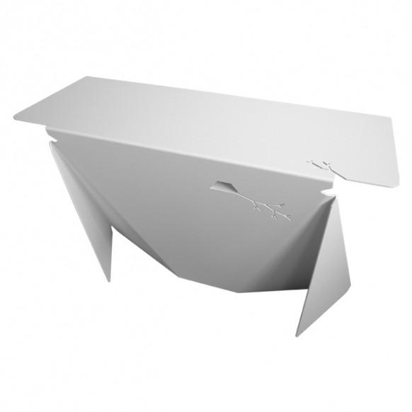 minimalistischen Schreibtisch zurück