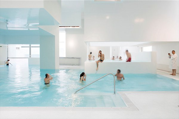 Indoor pool inspiration an aquatic center in france for Pool design france