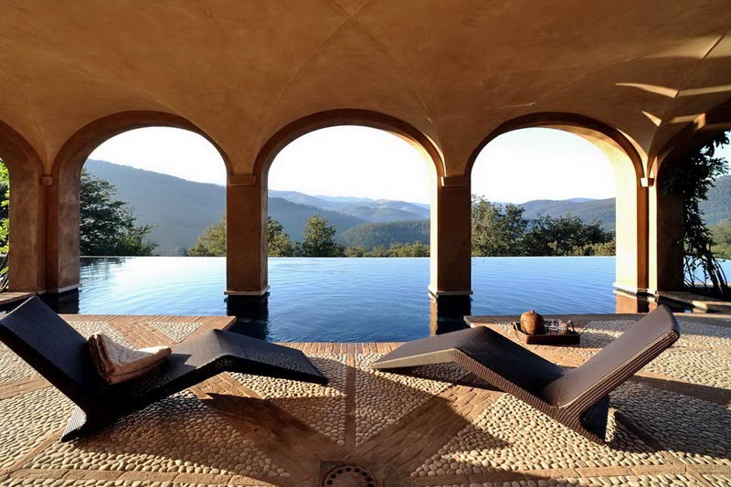Italian luxury villa infinity pool with view