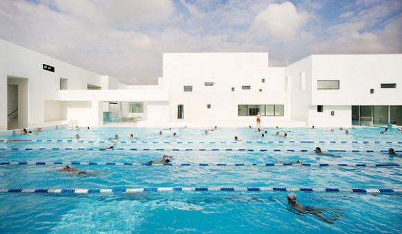 Bahnen-pool design Les Bains Des Docks Aquatic Center