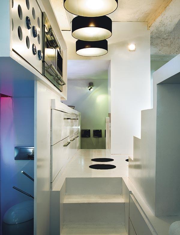 weiße Küchenzeile glänzende loos