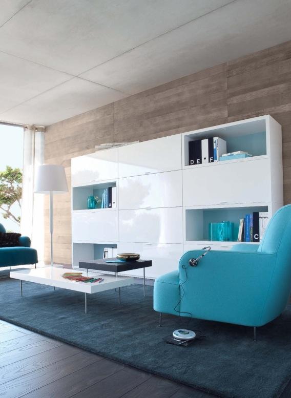 weißes Regal blauen sofas