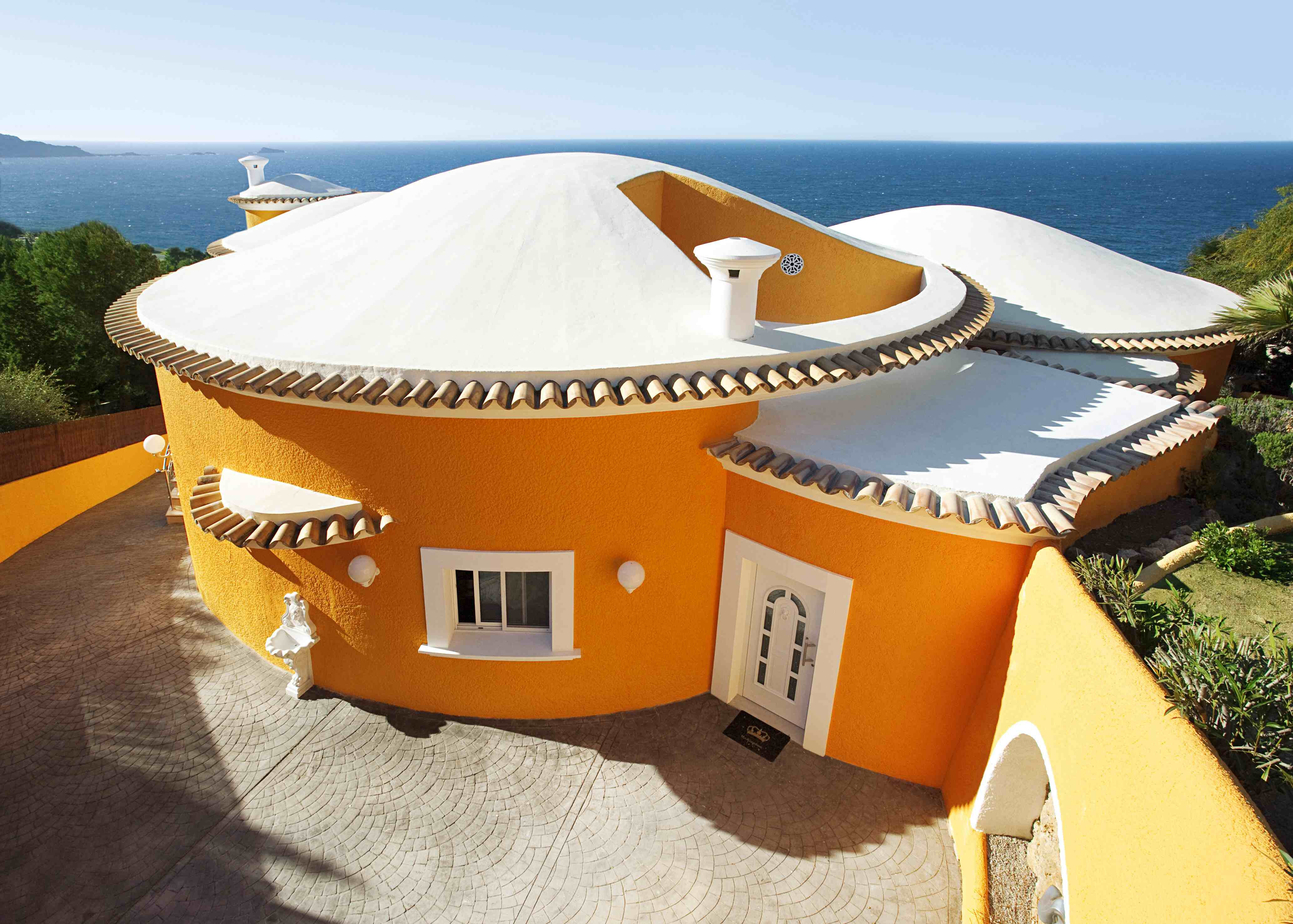 Mesmerizing Villa In The Spanish Coast