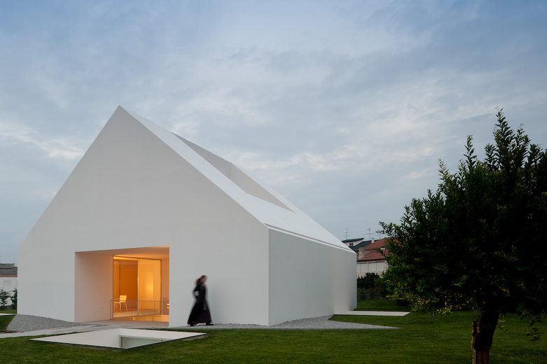 House with the simplest of forms