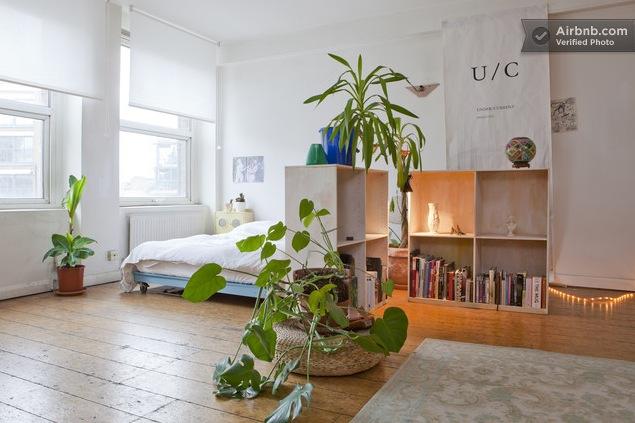 London Studio Bed Corner Interior Design Ideas
