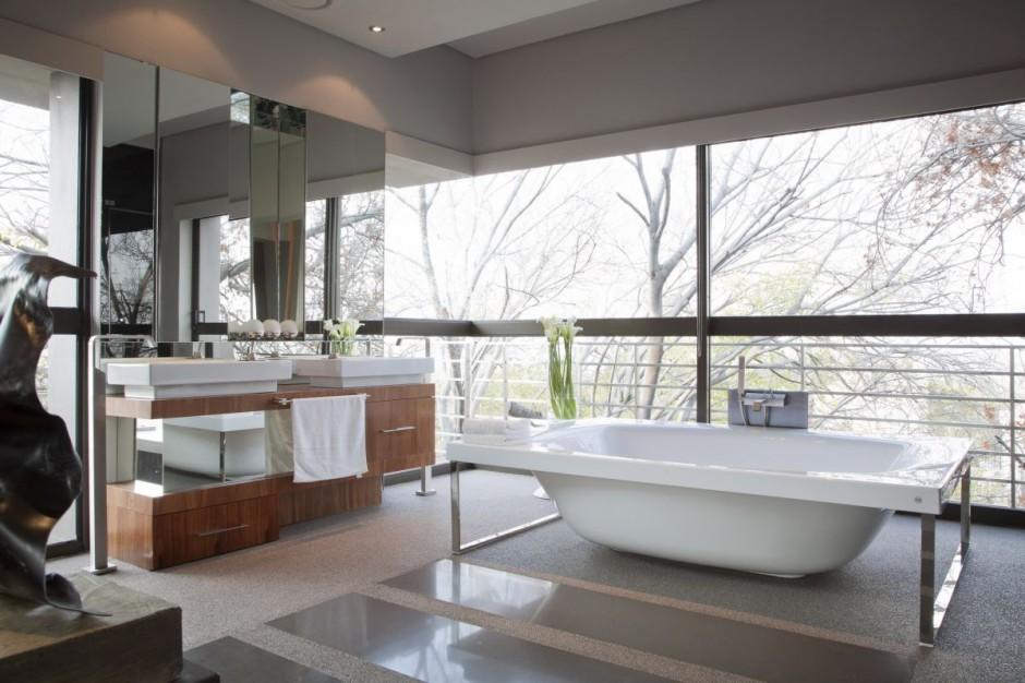 Nico Bathroom Tub And Large Windows Interior Design Ideas