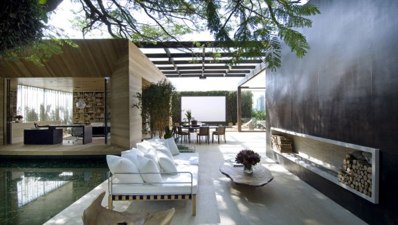 A stunning house that blurs the interior exterior divide