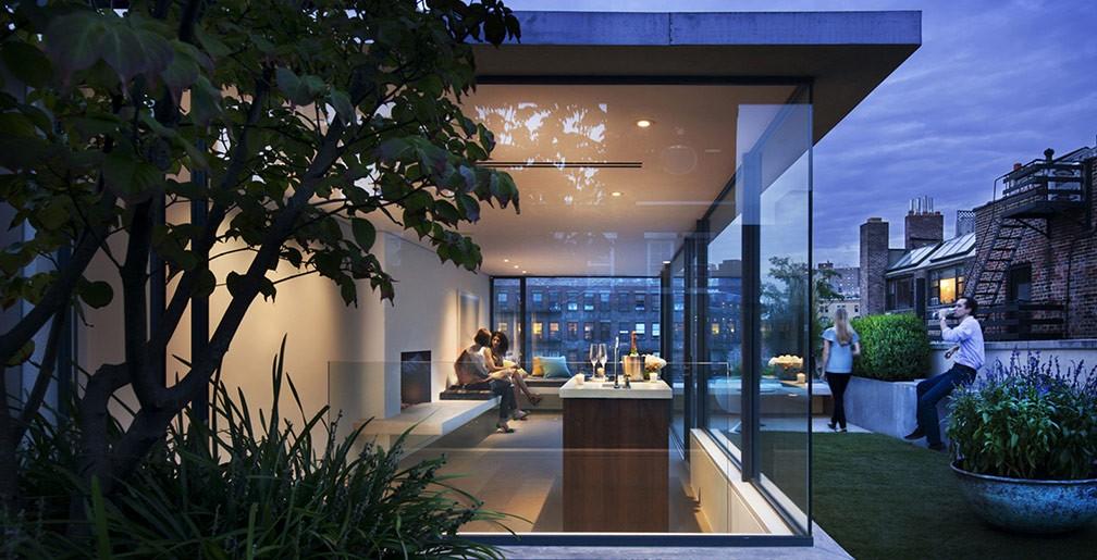 Rooftop garden w bar interior design ideas