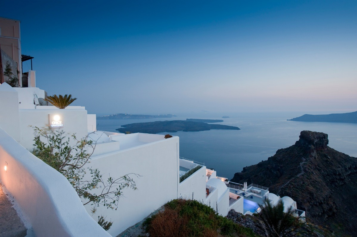 the sensational grace hotel santorini islands. Black Bedroom Furniture Sets. Home Design Ideas