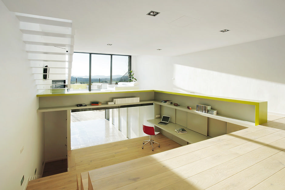 Step house fabulous minimalism