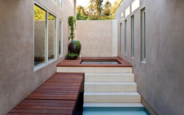 Blue jay way interior pool zen interior design ideas for Zen pool design