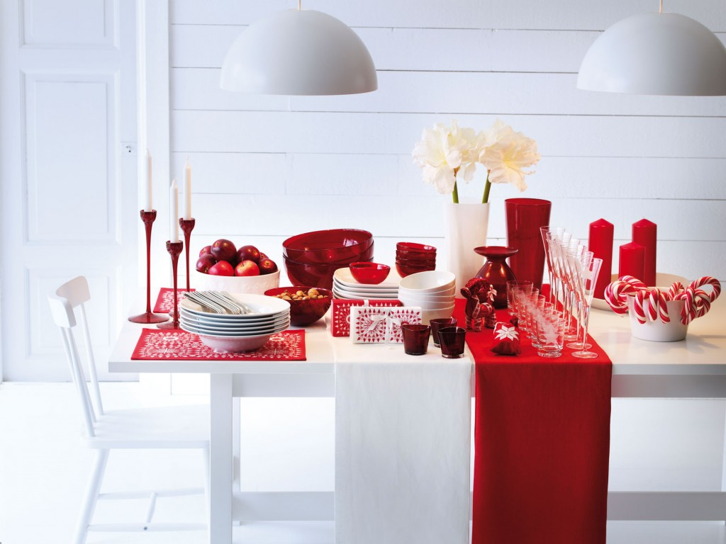 Candy Cane Red White Christmas Table