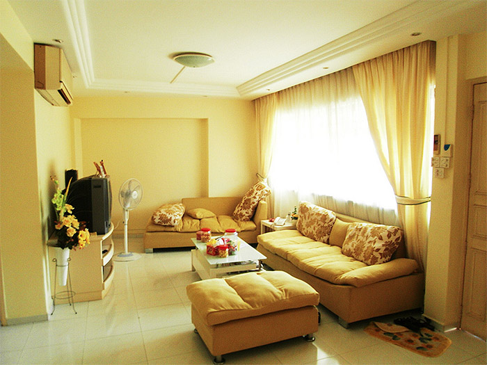 25 Traditional Yellow Living Room Interior Design Ideas