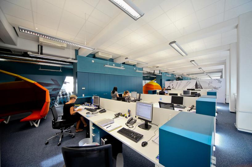 Blue White Office Desks Interior Design Ideas