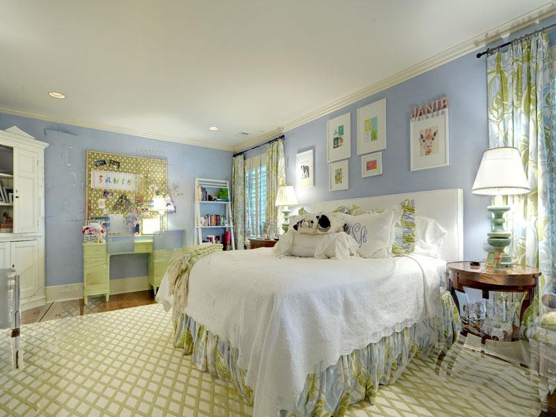 Blue White Bedroom Interior Design Ideas