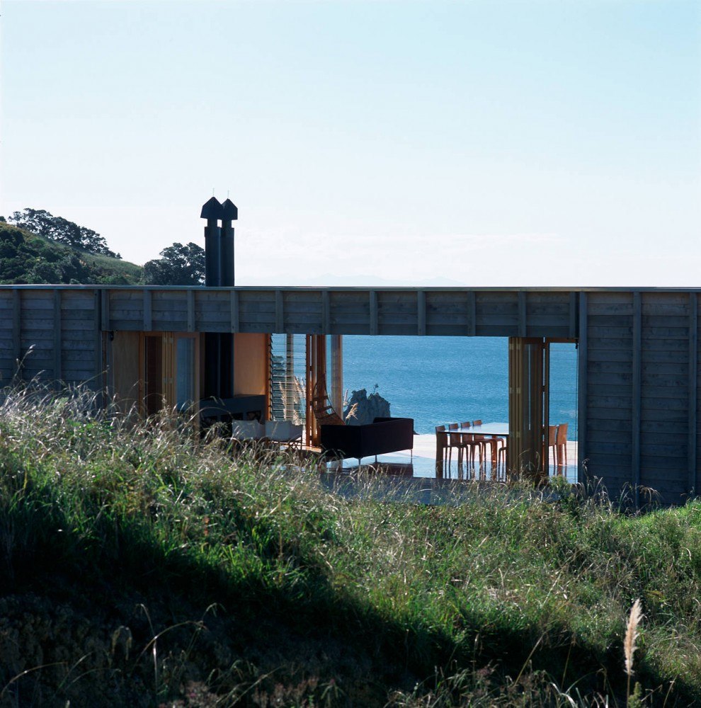 New Home Designs Latest December 2012: Container-like Bach In Coromandel