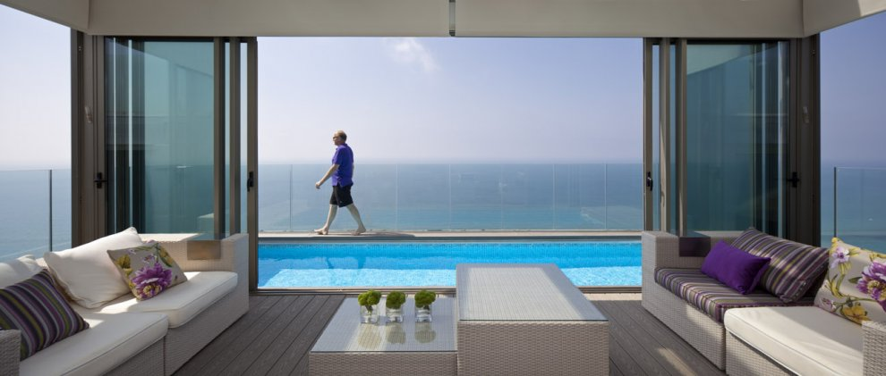 Beachside Penthouse In Israel