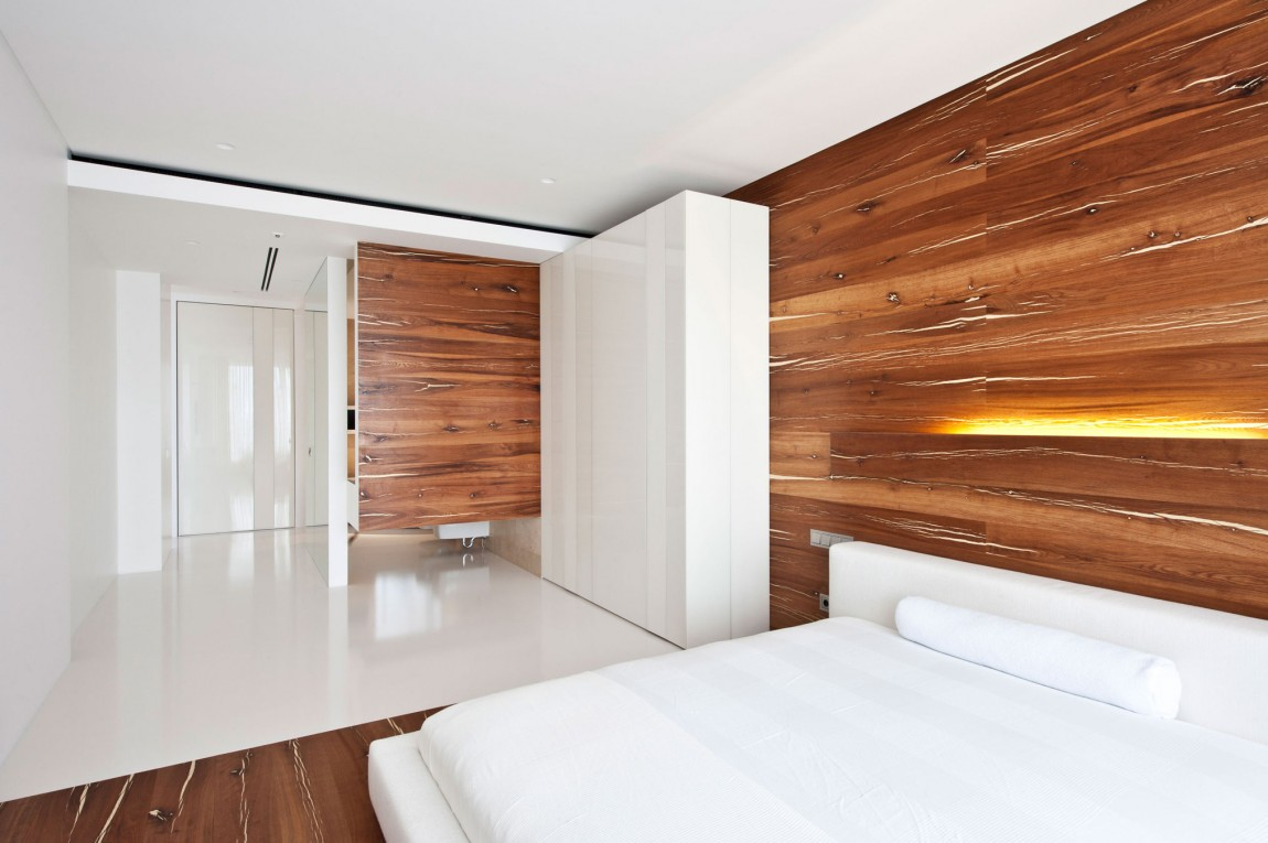 Apartment awash with walnut white - Interior design wood walls ...
