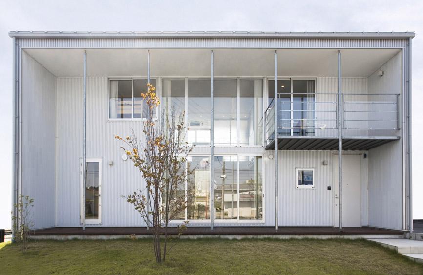 Minimalistic Japanese Prefab House