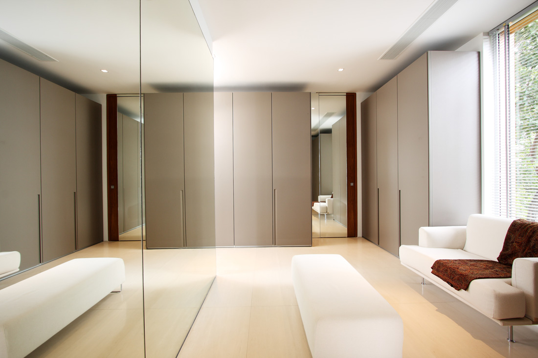 The marvelous villa mayavee - Dressing room designs in the home ...