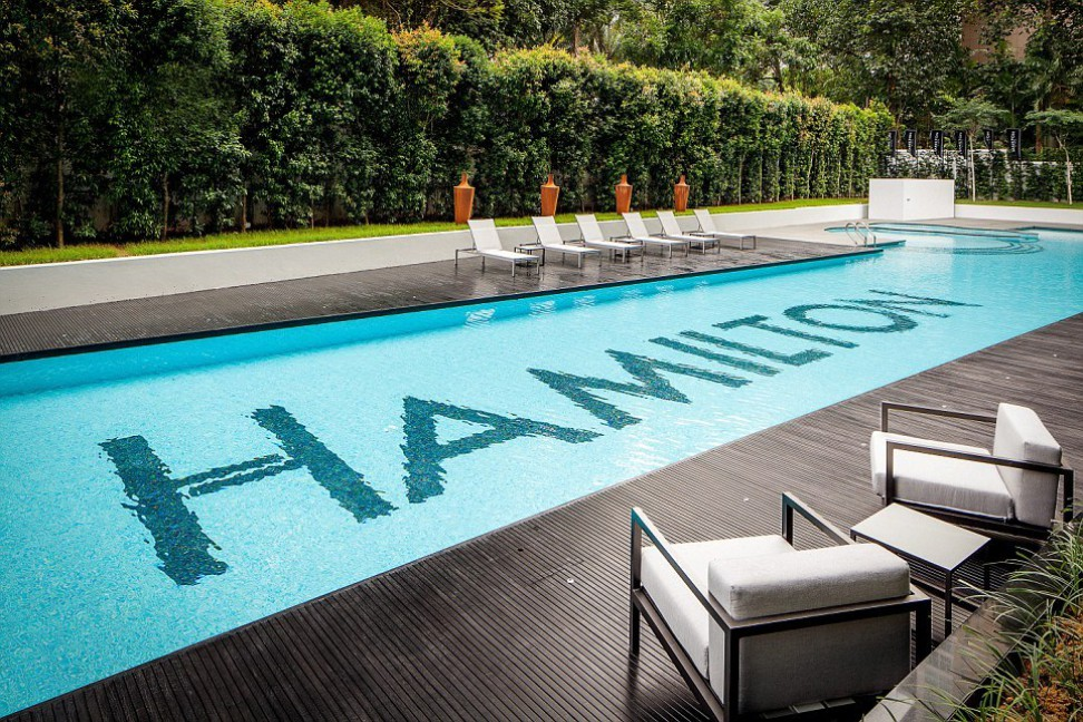 Super luxury singapore apartment with in room car parking for Pool design hamilton