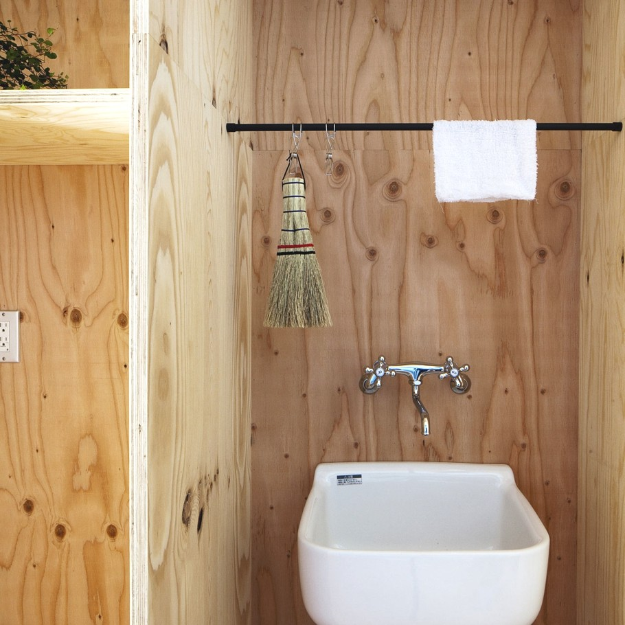 Timber bathroom   Interior Design Ideas.